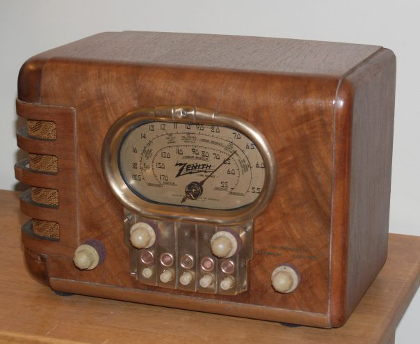 1938 Zenith Model 5S319