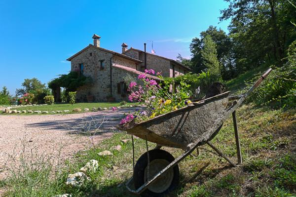 7 bedroom farmhouses and country villas for sale in Casale