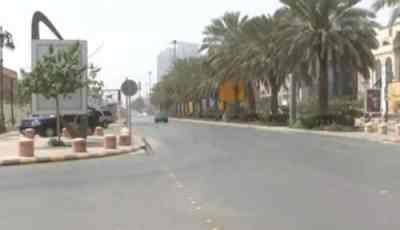 شوارع الرياض تخلو من المارة.. والمرور يعلق