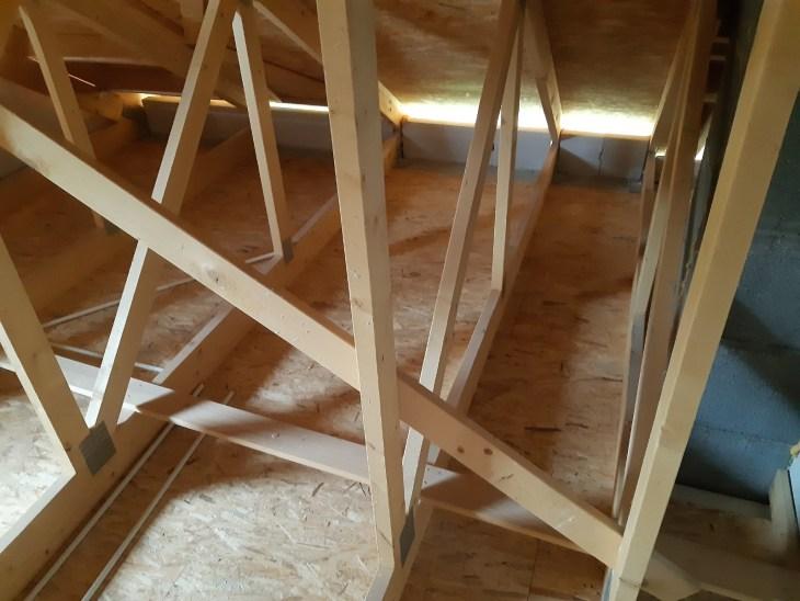 ocieplenie domku jednorodzinnego przez docieplenie metodą wdmuchiwania izolacji (2)