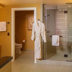 Queen Sleeper Sofa Rooms To Go Discount Online One Bedroom Parlor Suite | Aulani Hawaii Resort & Spa