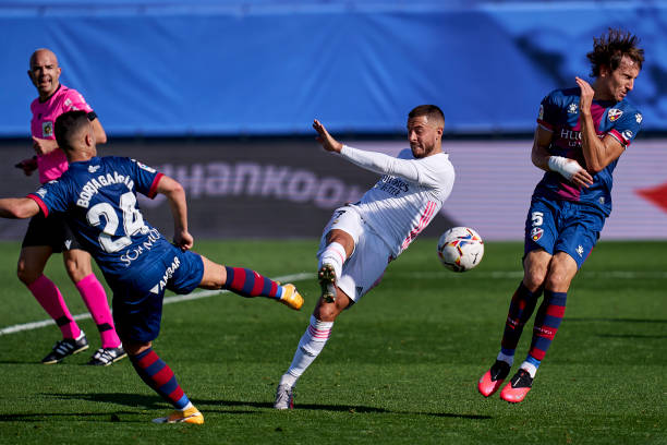 Real Madrid 4-1 Huesca: Hazard stunner sends Los Blancos top