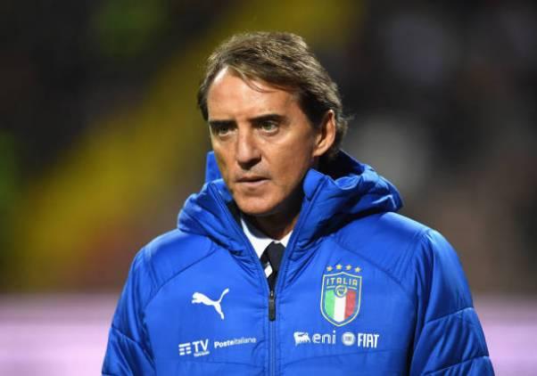 Italy head coach Roberto Mancini tests positive for coronavirus