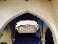 royal table sign