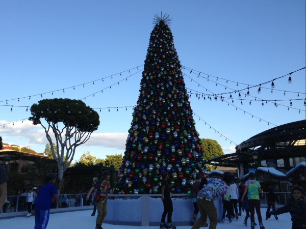 Christmas At Disneyland, Disneyland Holiday Events