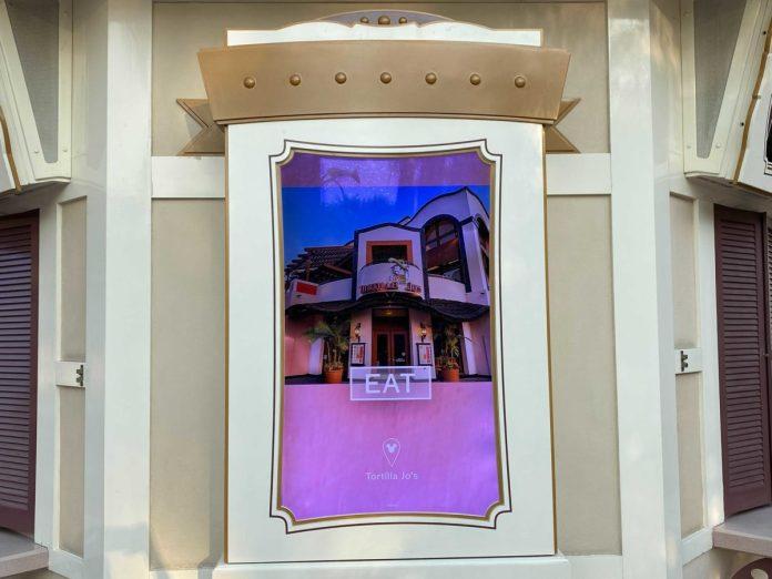 disneyland-ticketing-video-screens-7-6348397