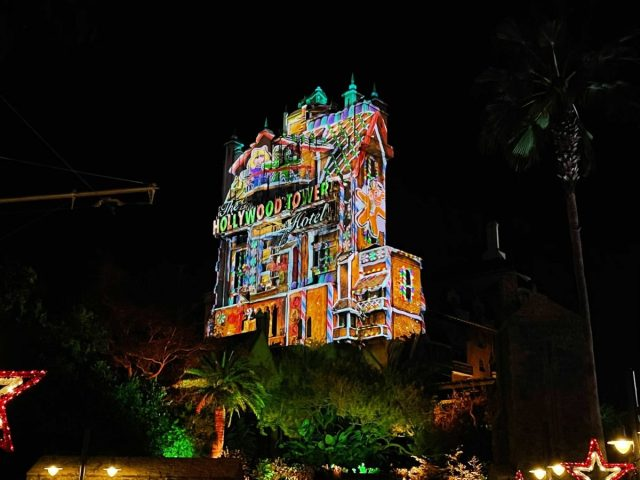 hollywood-holiday-tower-hotel-projections-2020_3