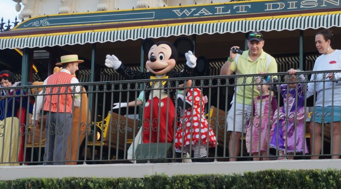 012 November 06, 2015 – Magic Kingdom Rope Drop Ceremony