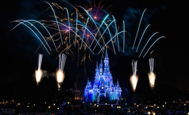 Watch Walt Disney World's New Year's Eve Fireworks Live December 31!