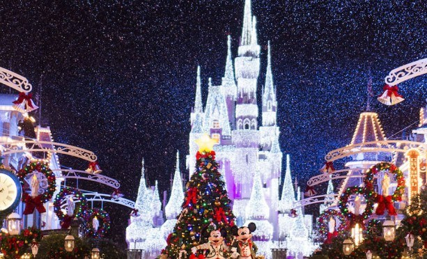 "Walt Disney World to Live Stream ""Mickey's Very Merry Christmas Party"" December 6!"