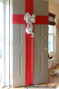 5 Best Christmas Door Decorations