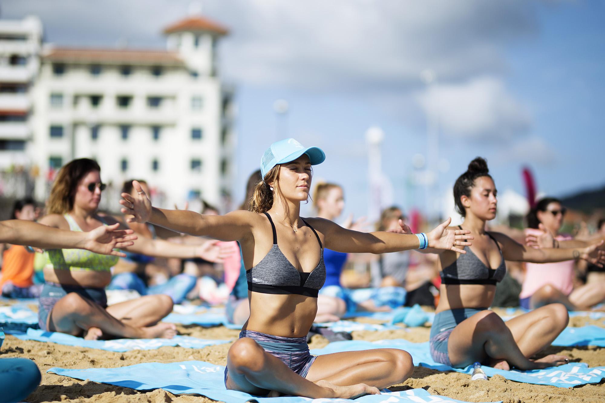 justine-mauvin-yoga-roxy-fitness-san-sebastian-2017-guillaume-arrieta-we-creative