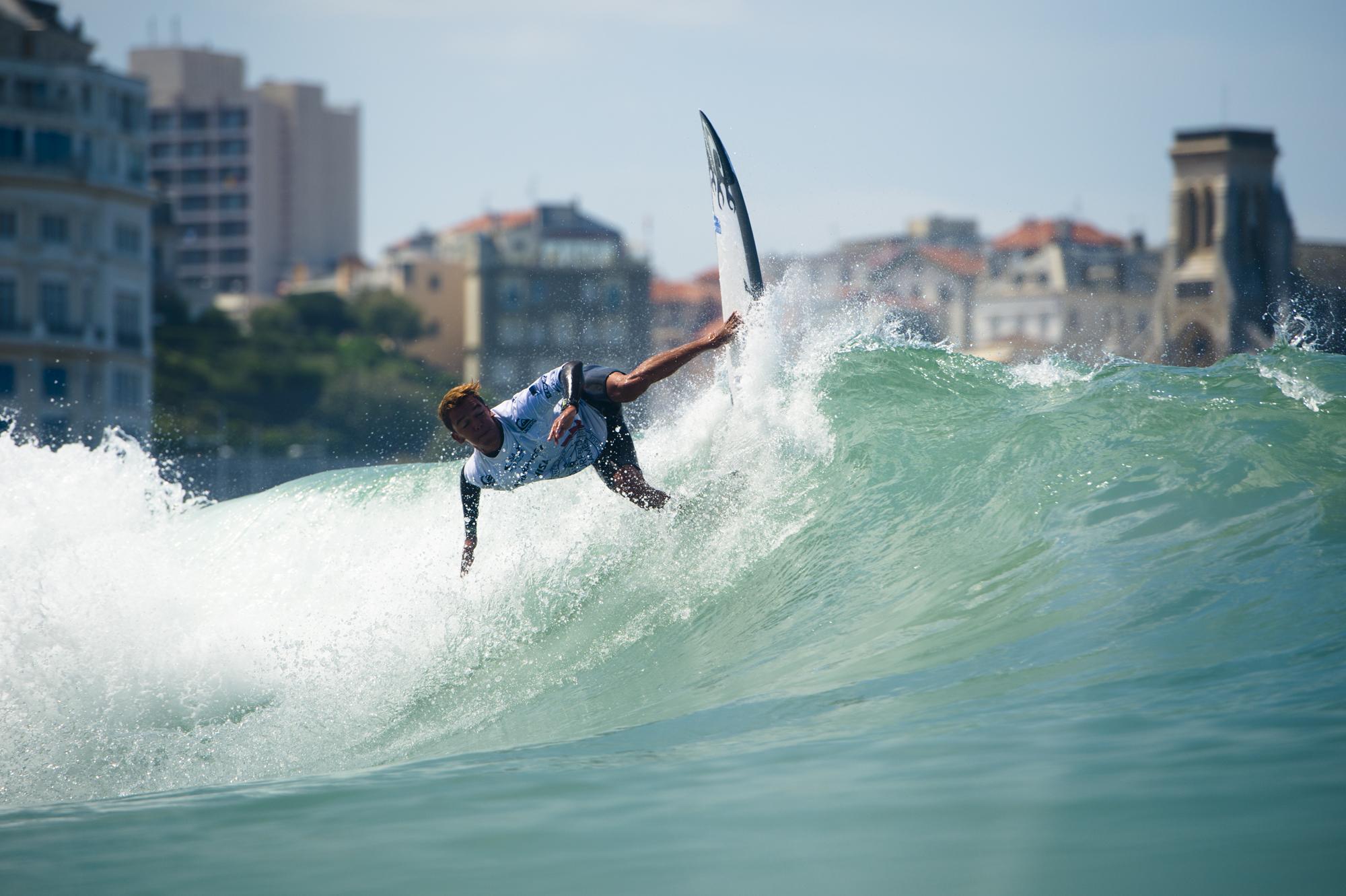 leonardo-calvo-costa-rica-ISA-world-surfing-games-2017-biarritz-antoine-justes-we-creative