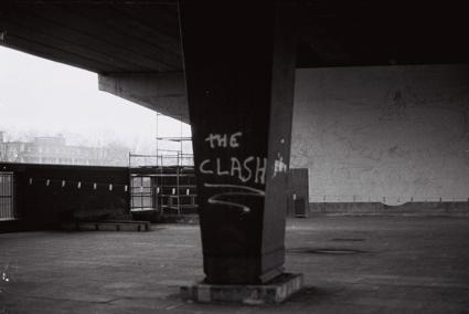 0i0tlc_jon_savage_the_clash_graffiti1.jpg