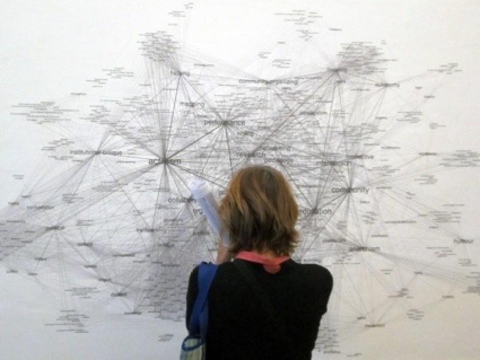 9truth-is-concrete-network-maps-graz-2012-burak-arikan-1-1024x768.jpg
