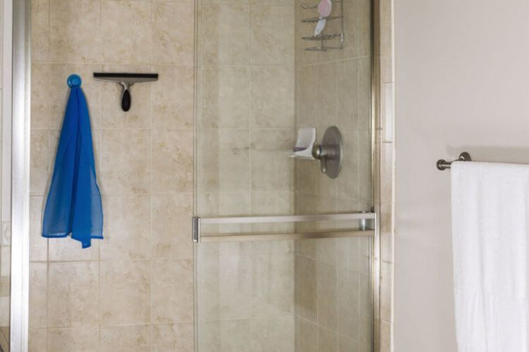 4 TIPS FOR MAINTAINING YOUR SHOWER