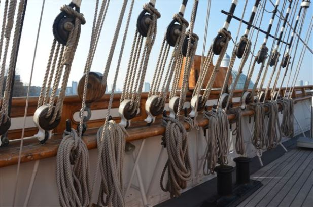 lots of rigging on the cutty sark