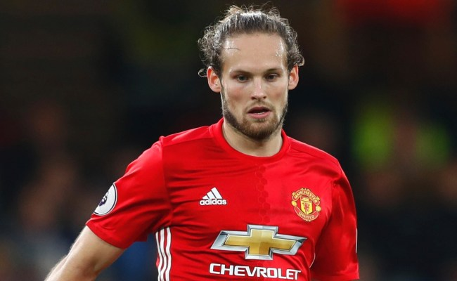 Manchester United Attempt To Complete Contract Deal For