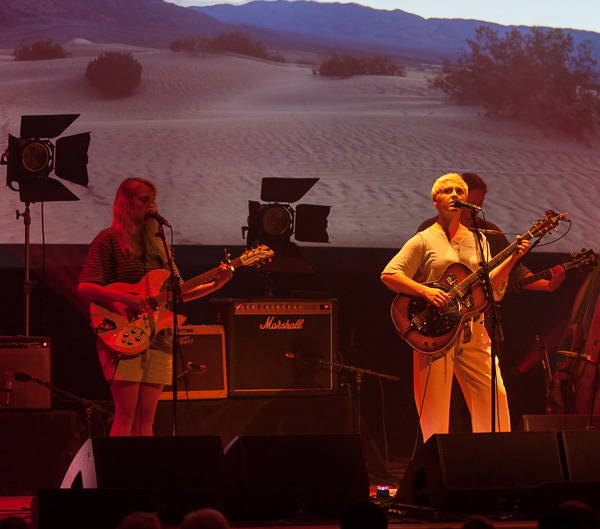 5_Laura Marling_Town Hall