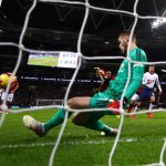 "'De Gea' Can save your Relationship"" – Man Utd fans heap praise on No.1 after stunning Spurs shutout"