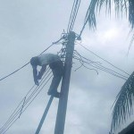 Electrician Electrocuted While Working On A Electric Pole in Port-Harcourt (Photo)