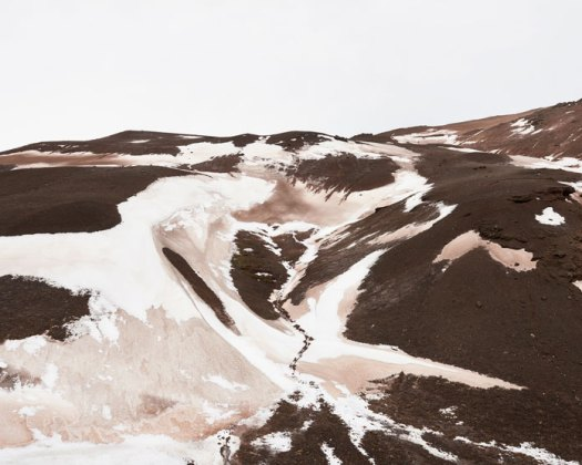 Balint Alovits Photography, The dusty ground colors the snow.