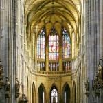 Витражи и своды собора Святого Вита