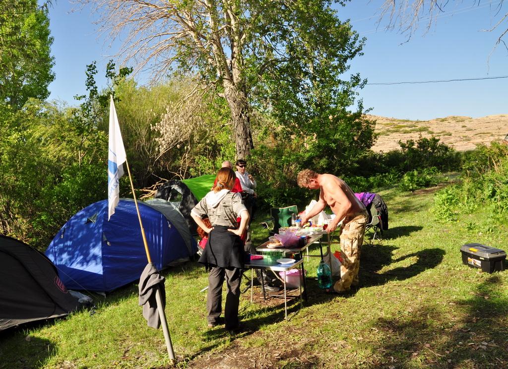 Лагерь на Бектау-ата