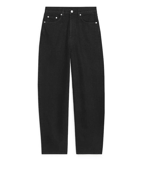 Barrel Leg Jeans in Black