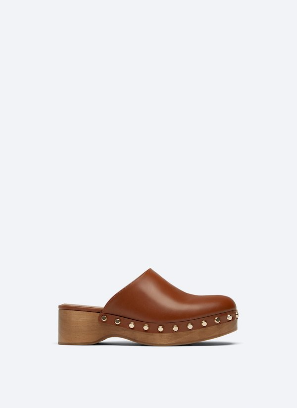 Studded Leather Clogs Uterque