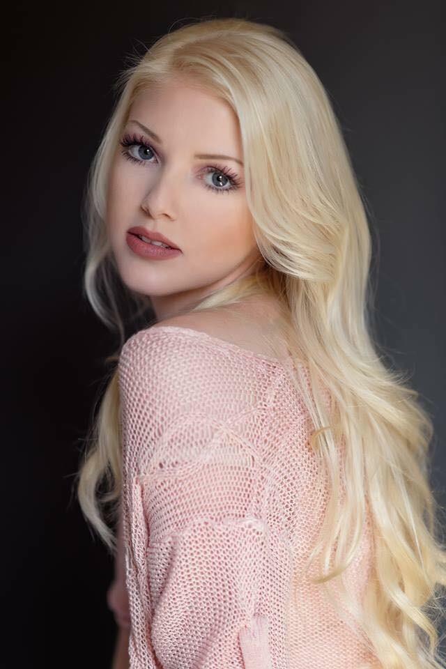 Sarahs Story 20 Lightest Blonde Cashmere Hair Extensions