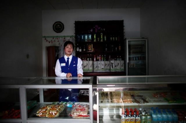 Women Working in North Korea - Vendor