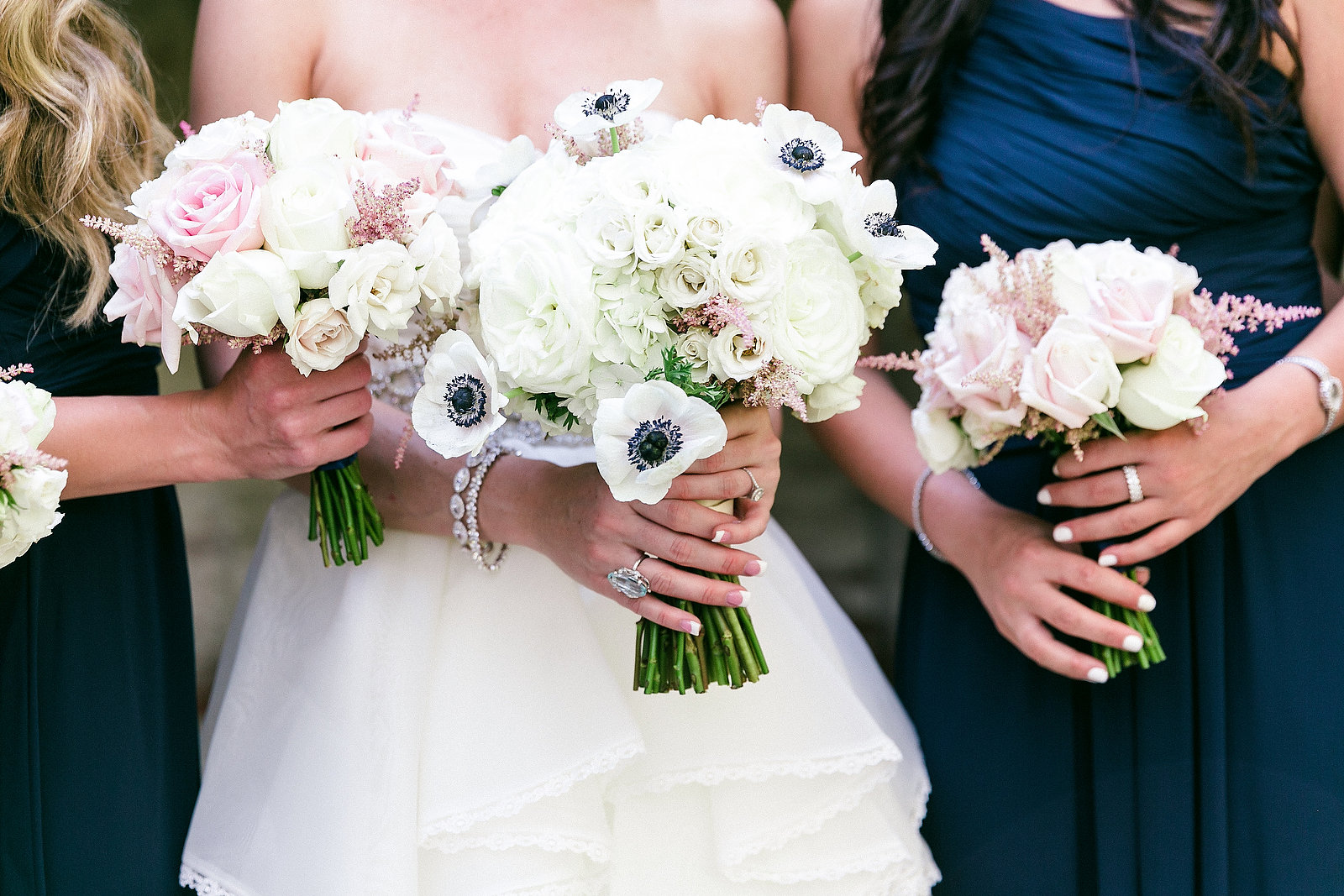 8 Inexpensive Flower Bouquets For Your Wedding