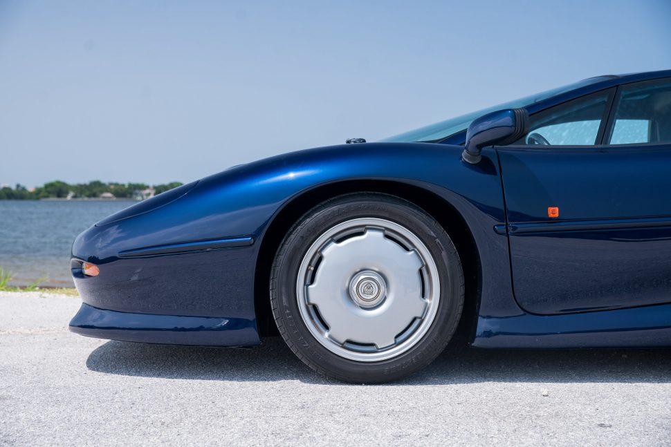 Jaguar XJ220 Blue-6 - Curated