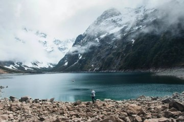 Pat Suraseang Lake Marian Hike Milford Sounds New Zealand nz mountain snow