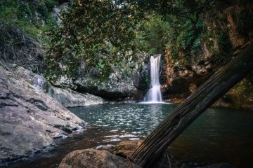 cronan creek waterfall, best waterfall hikes near brisbane, queensland, lisa owen, microadventure, waterfall