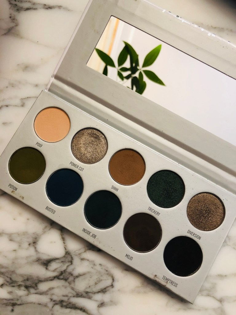 Interior of the Morphe Jaclyn Hill Dark Magic Vault Palette