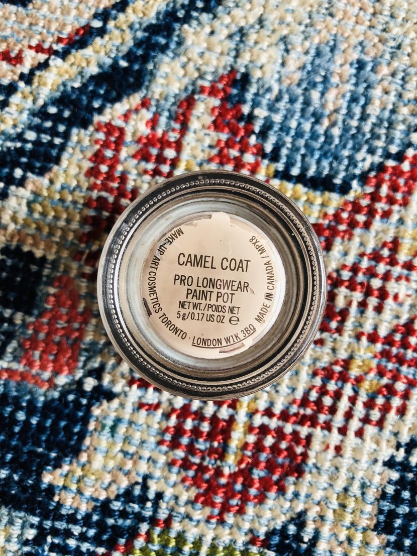 Label of MAC Paint Pot in Camel Coat