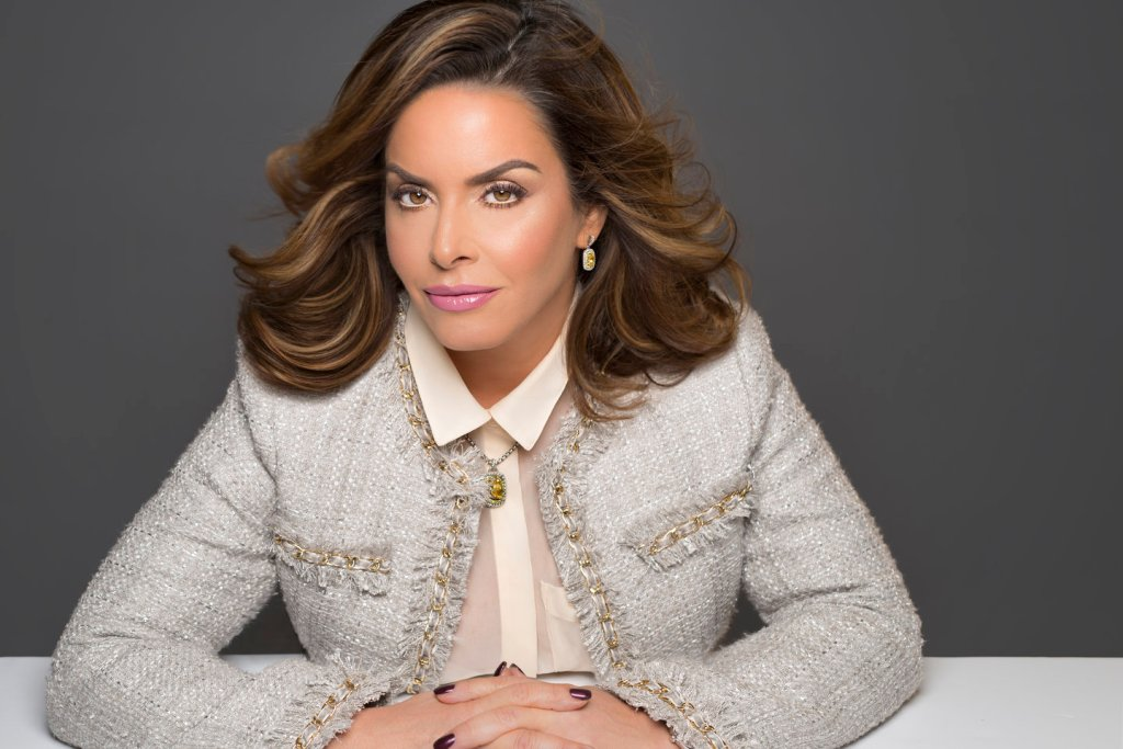 headshot of Alicia Grande of Grande Cosmetics