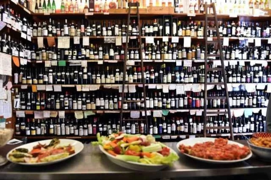 Cantine-Isola-wine-bar-in-Milano