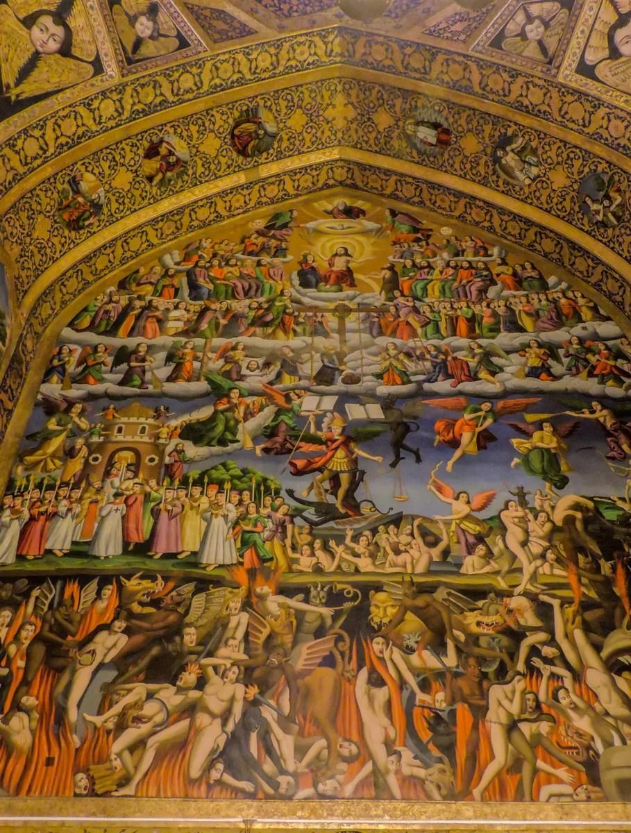Lo splendido affresco in stile armeno della cattedrale di Vank nel quartiere Jolfa di Esfahan raffigurante il giudizio universale