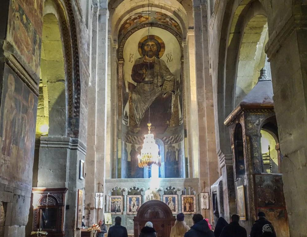 Il Cristo pantocratore che decora l'abside della cattedrale di Svetitskhoveli