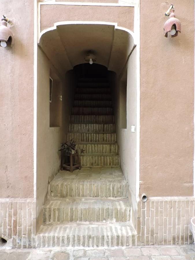 Scala all'interno di uno degli edifici della città vecchia di Yazd