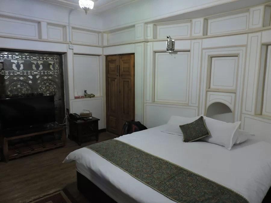 La nostra camera all'atigh traditional hotel