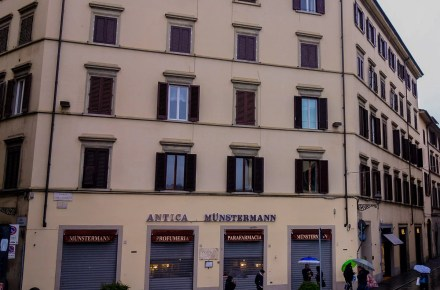 via dei fossi 1 a Firenze