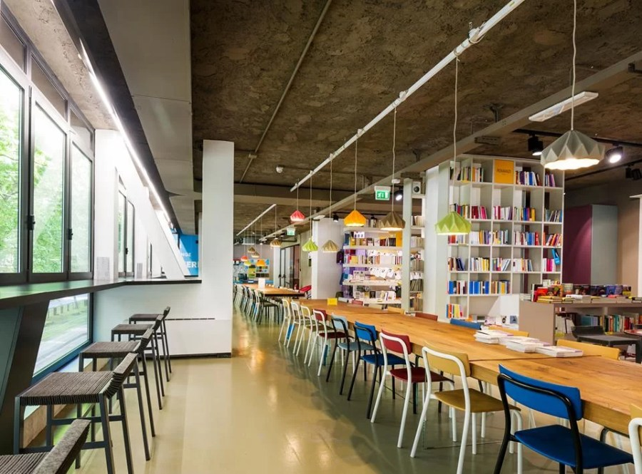 Libreria co-working Open a Milano