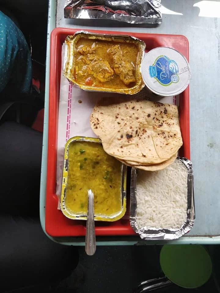 Menù pranzo sul treno calcutta bangalore