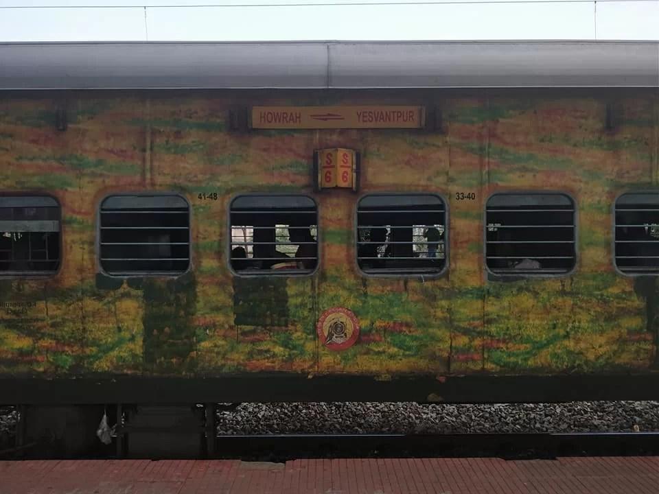 treno indiano tra calcutta e bangalore