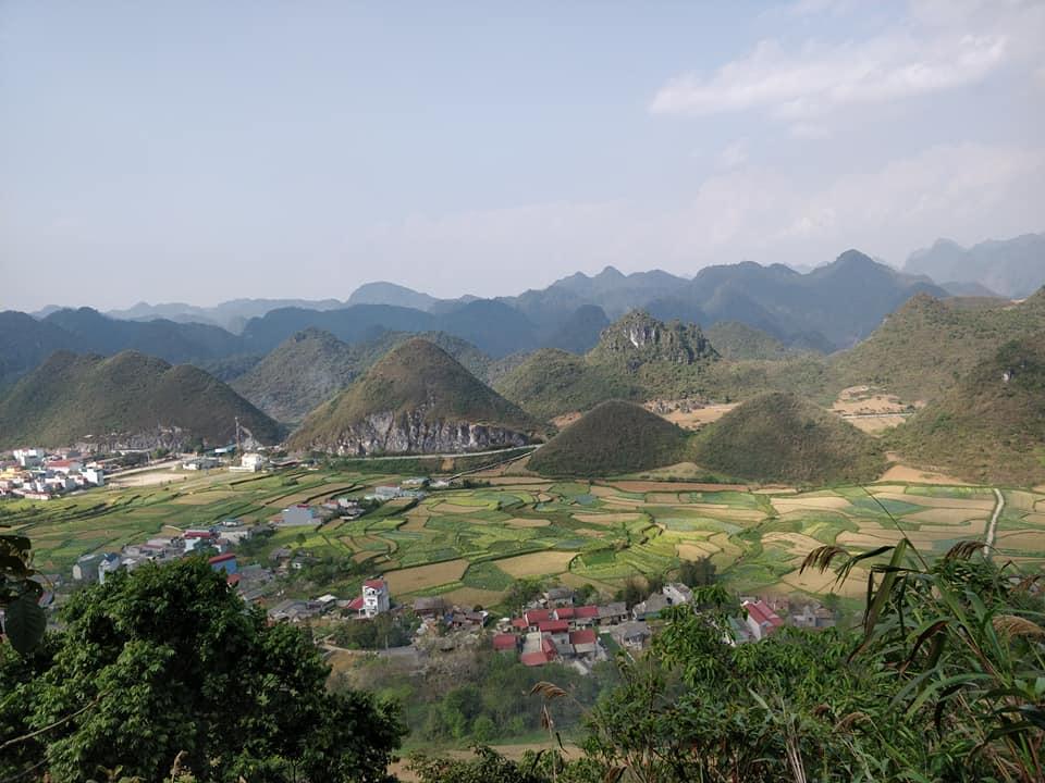 I colli gemelli di Quan Ba e la cittadina di Tam Son