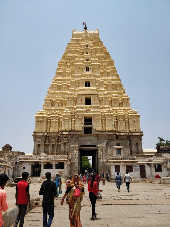 Sri Virupakshana Temple ad Hampi in India